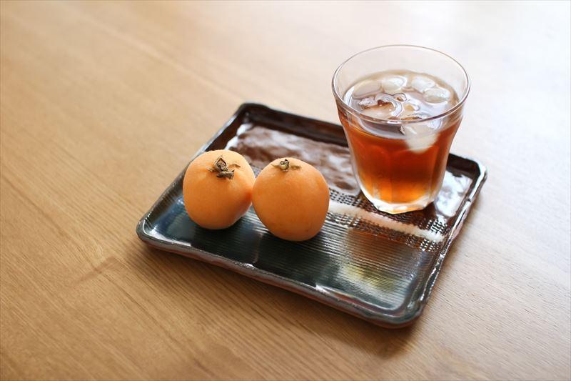 お茶と果物